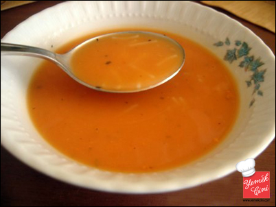 Tel Şehriyeli Domates Çorbası   Yemek Cini