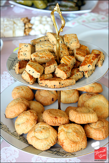 Çörek Otlu Tuzlu Kurabiyeler & Hurmalı Kurabiyeler