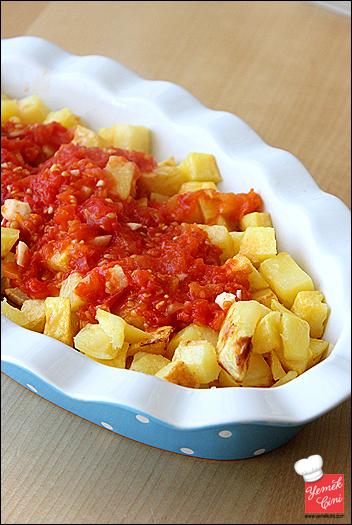 domates_soslu_firin_patates