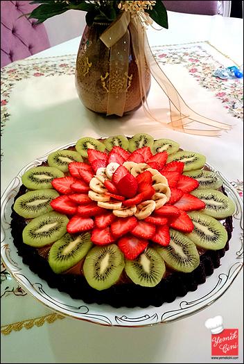 Çikolatalı & Meyveli Pamuk Prenses Pastası