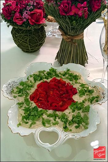 Tahinli Köz Patlıcan & Biber Salatası