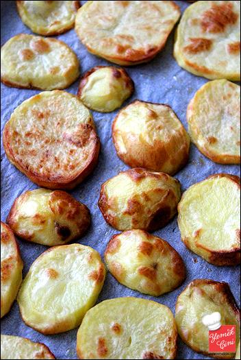 Fırında Kaşarlı Patates Oturtması