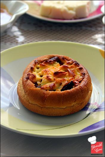 Hamburger Ekmeğinde Pizza