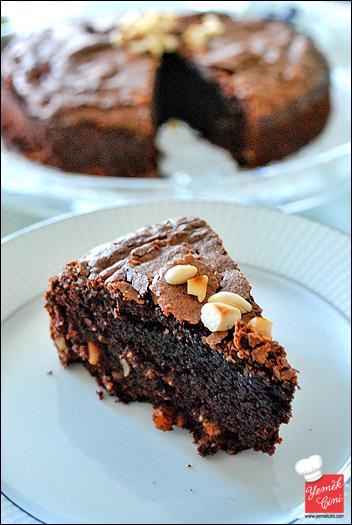 Acıbadem Aromalı Brownie