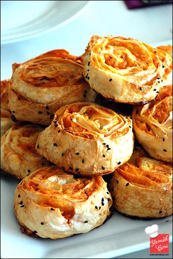 Baharatlı & Patatesli Rulo Börek