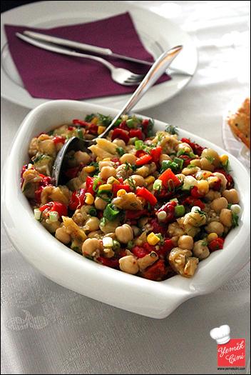 Köz Patlıcan & Biberli Nohut Salatası