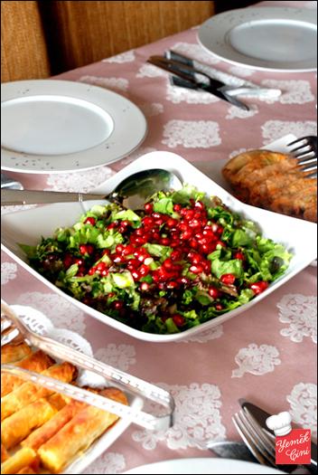 Narlı & Ekşi Elmalı Salata