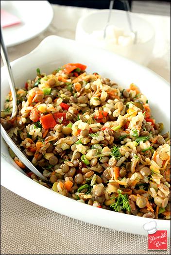 Pirinçli Yeşil Mercimek Salatası
