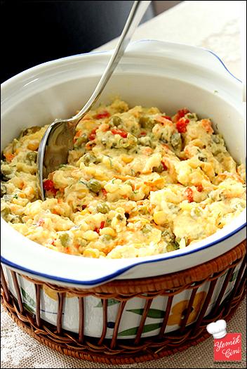 Sirkeli & Garnitürlü Ezme Patates Salatası