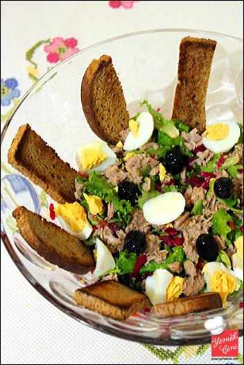 Ton Balıklı & Yumurtalı Yeşil Salata